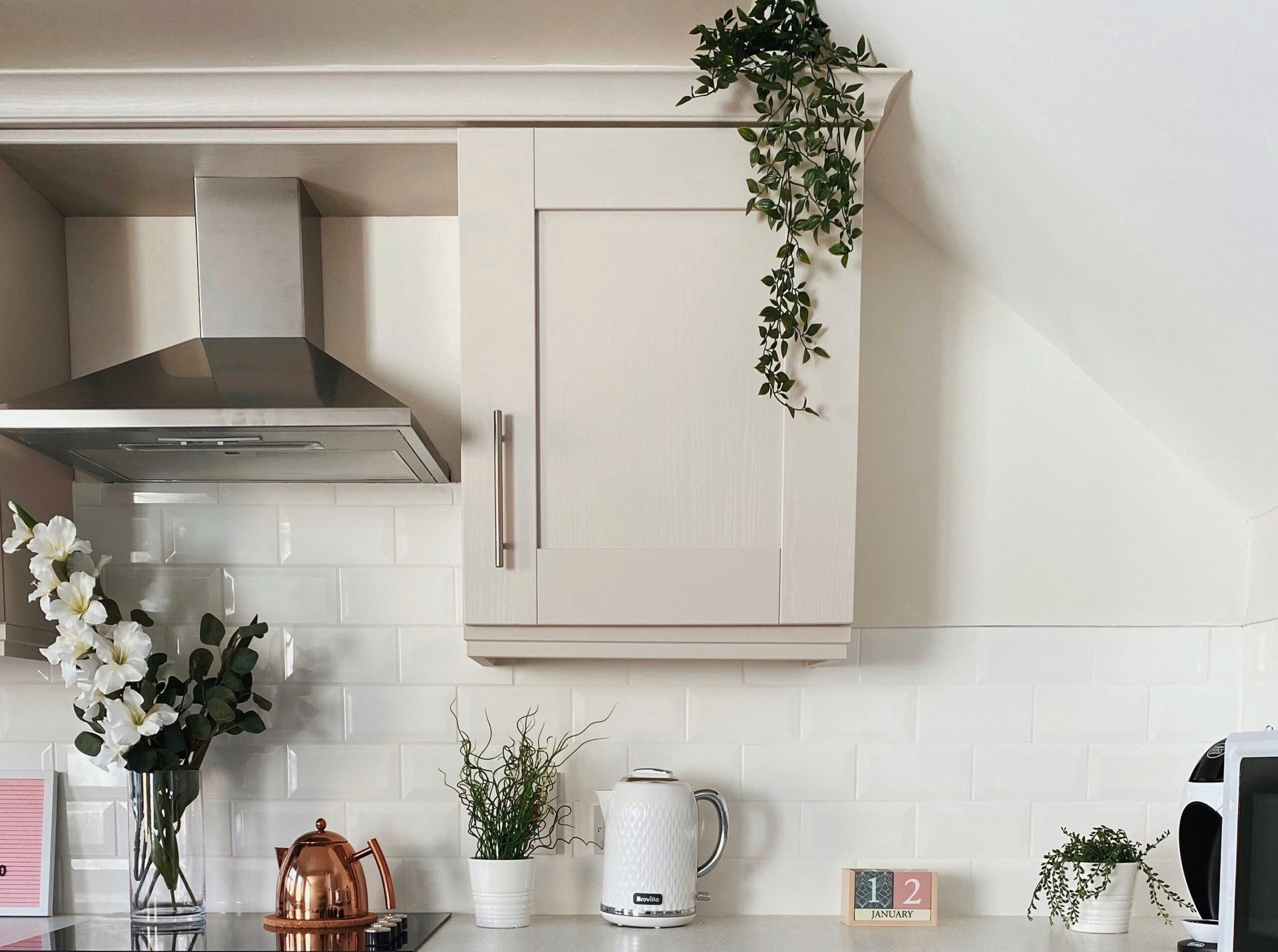 Plants On Top Of Kitchen Cabinets Is Greenery Above Kitchen Cabinets Outdated? With Ideas for Modern